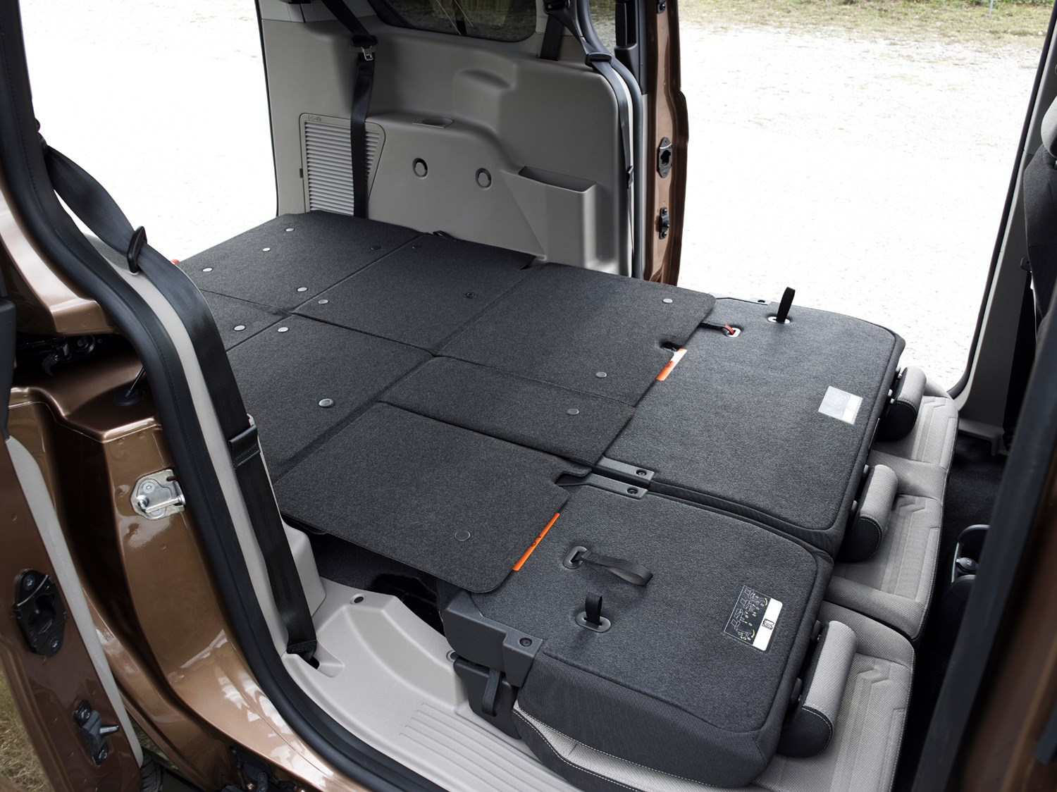 Ford Grand Tourneo Connect 2020 Practicality Boot Space